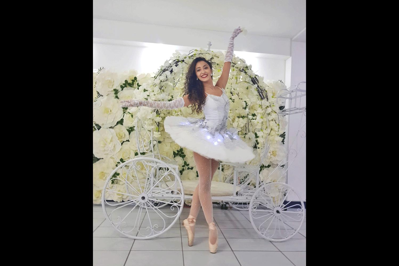 Roxana-Gurau-(13)